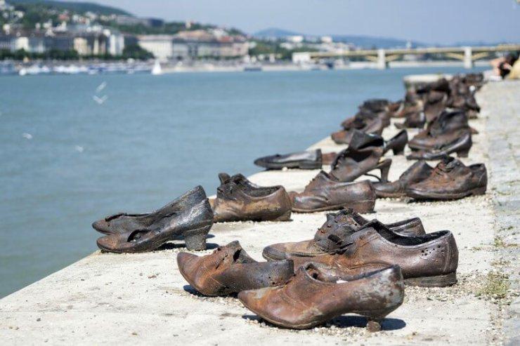 Memoriale scarpe sul Danubio