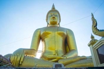 Big Buddha di Wat Muang 2