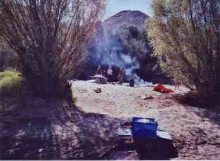 Camping in the middle of nowhere down the Orange River