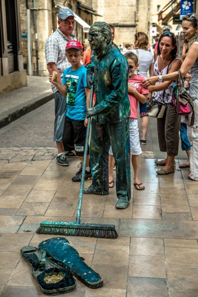 Street artists around Sarlat, France