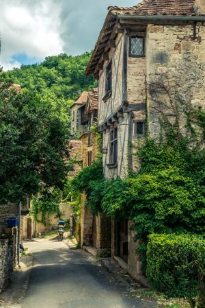 Quiet Streets of Cirq Lapopie