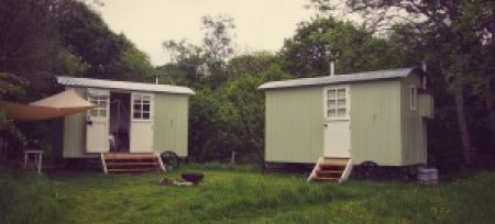 Images of a Shepherds Hut in Snowdon