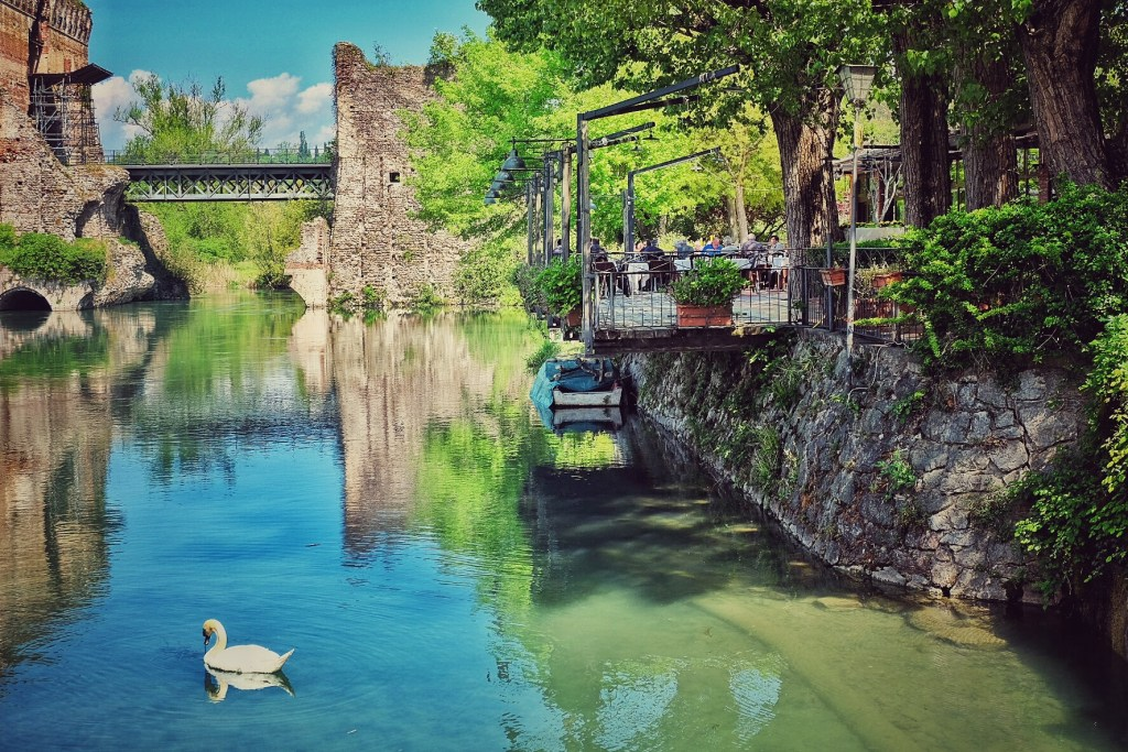 Borghetto, River Mincio, Italy, Lake Garda, Travellng, Travel, Travelling Book Junkie