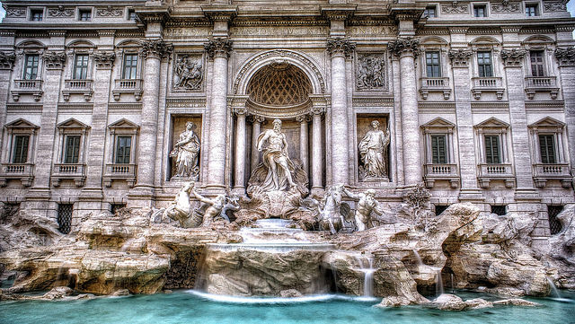 Trevi Fountain, Rome, Italy, Travelling Book Junkie