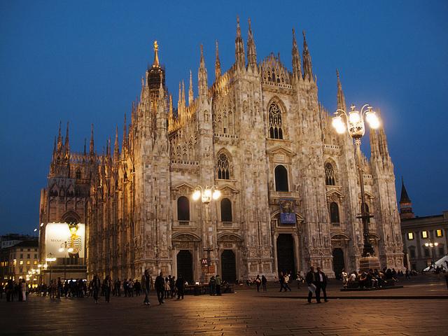 Milan Catherdal, Duomo, Travel, Travelling Book Junkie