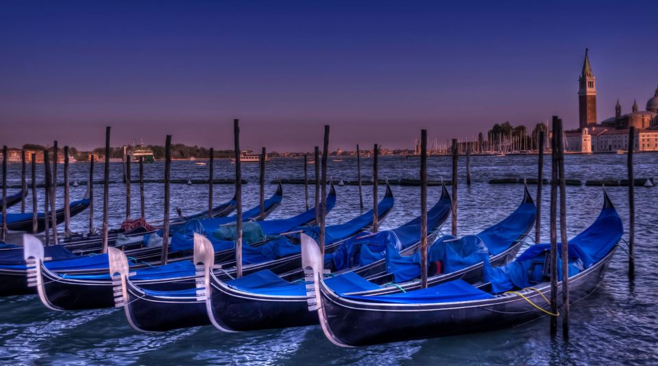 Venice, San Marco Square, Gondola, Italy, travel, Travelling Book Junkie