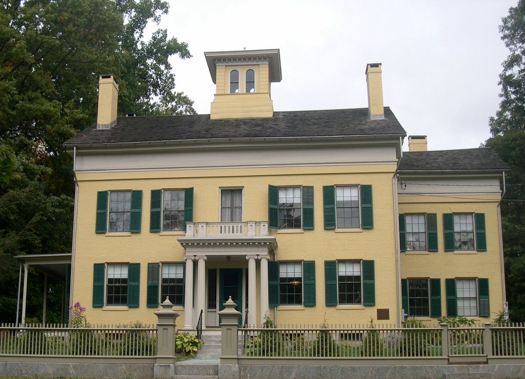 The Emily DIckenson museum in the USA is an important literary landmark to visit when in Amherst