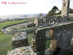 Vistas de Hill of Slane desde la torre del castillo normando (¡me encanta la inclinación que presenta!)
