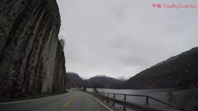 Conducción más que entretenida con estos pedazo de paisajes