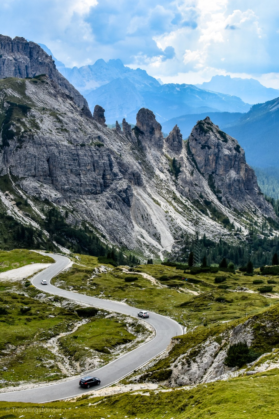 The road from Passo Gardena