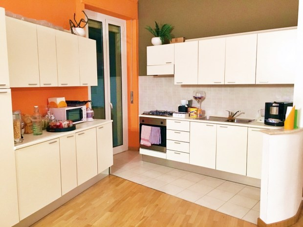 A stylish and well stocked kitchen, perfect for late arrivals