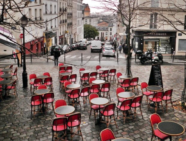 Exploring the streets of Montmartre with our Tours by Locals guide