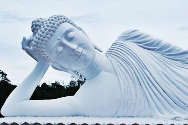 buddhist-centre-balian-beach