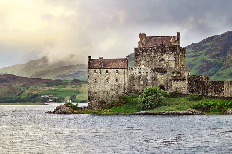 Scottish Highlands - travel Edinburgh to Isle of Skye - castles