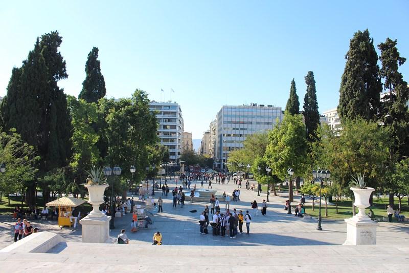 Athens travel guide - squares and city centre