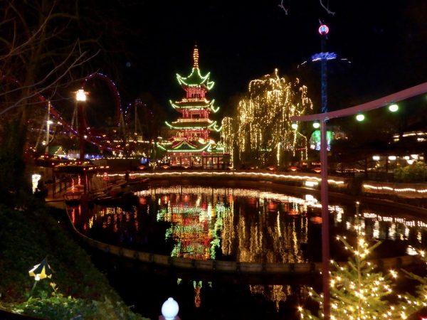 Tivoli_Gardens_at_night
