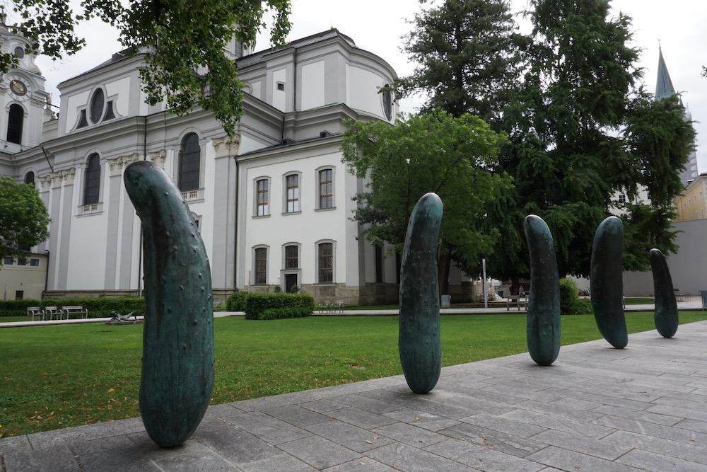 Gherkins Erwin Wurm Walk of Modern Art Salzburg Oostenrijk