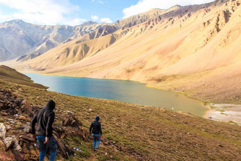 How to reach Chandratal lake