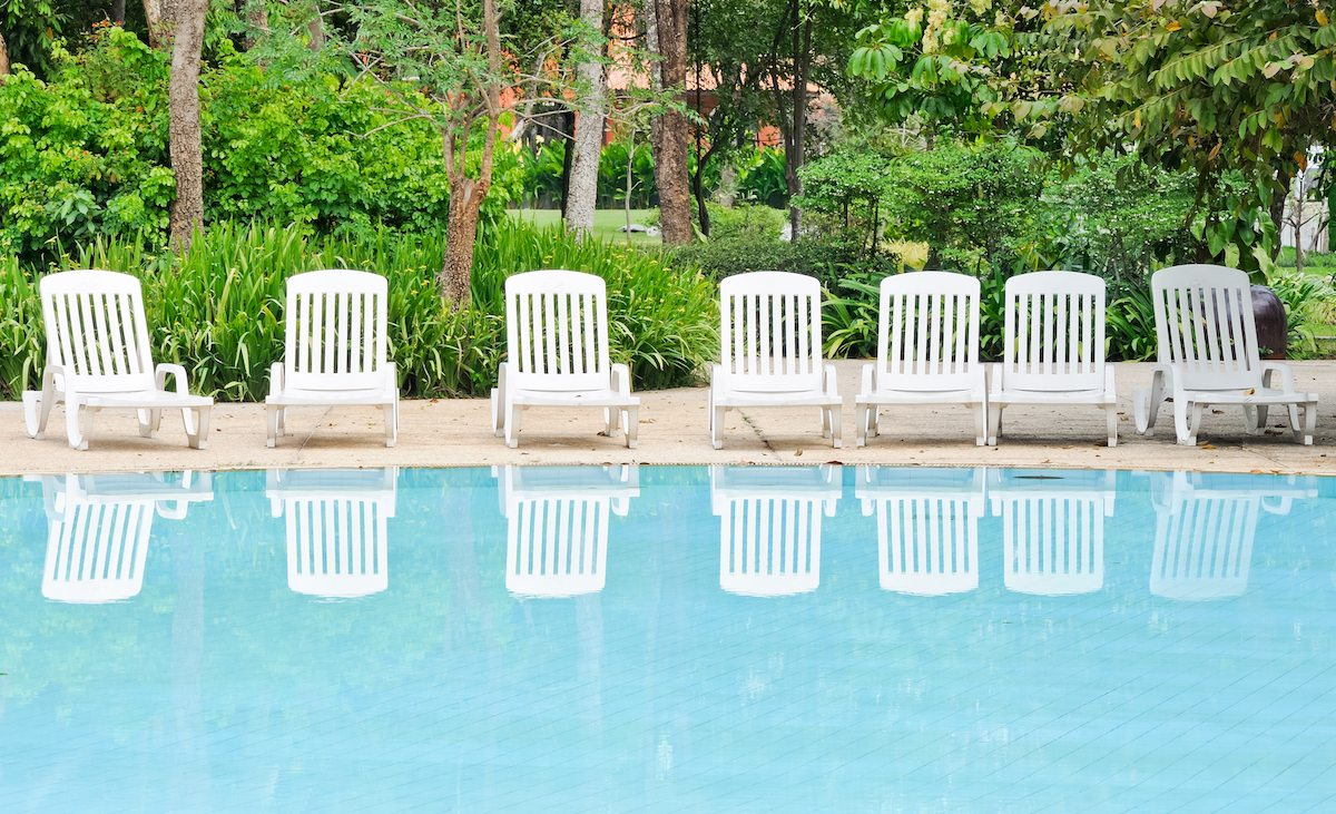 White Pool Deck Chairs: Ideas To Refresh Your Hotel Pool Deck