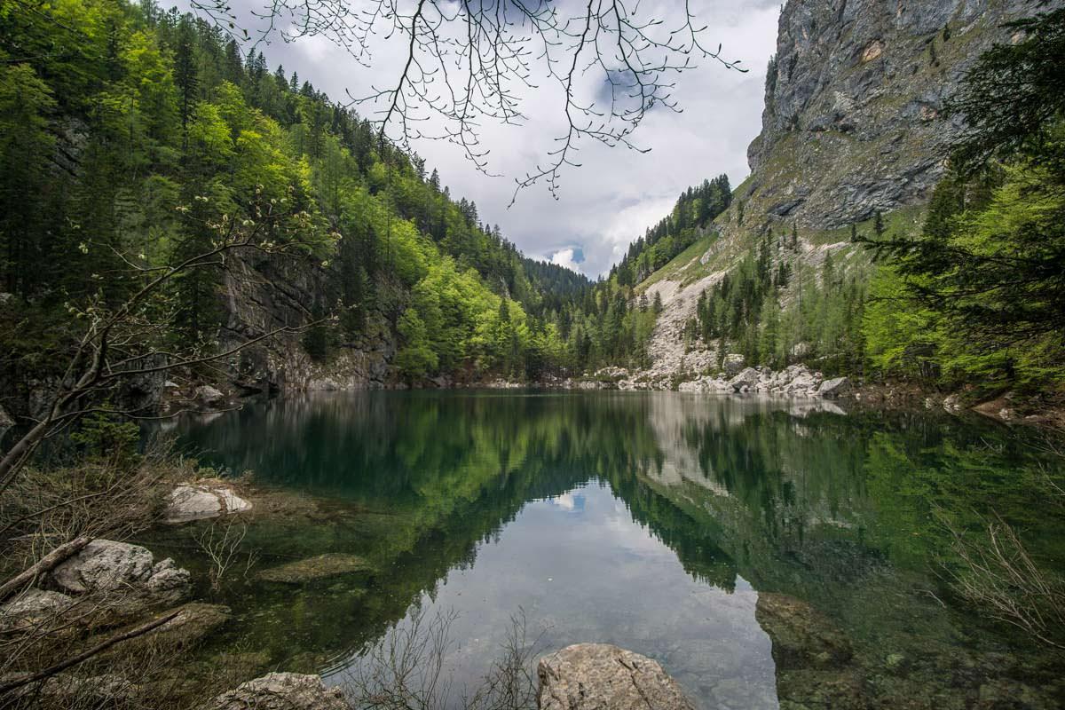 Wandern zum Crno jezero im Nationalpark Triglav