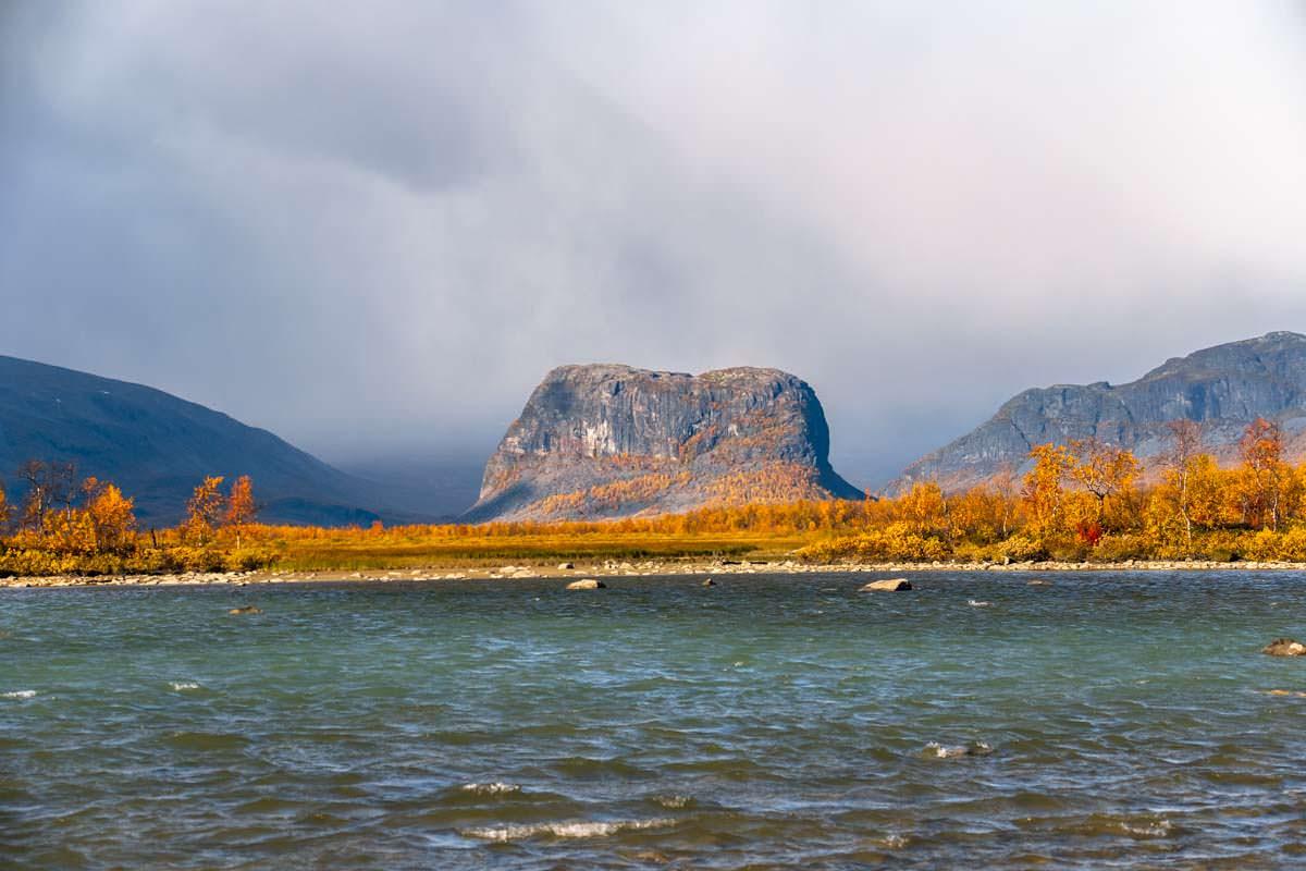 Das Rapadelta vor dem Nammatji in Lappland, Schweden