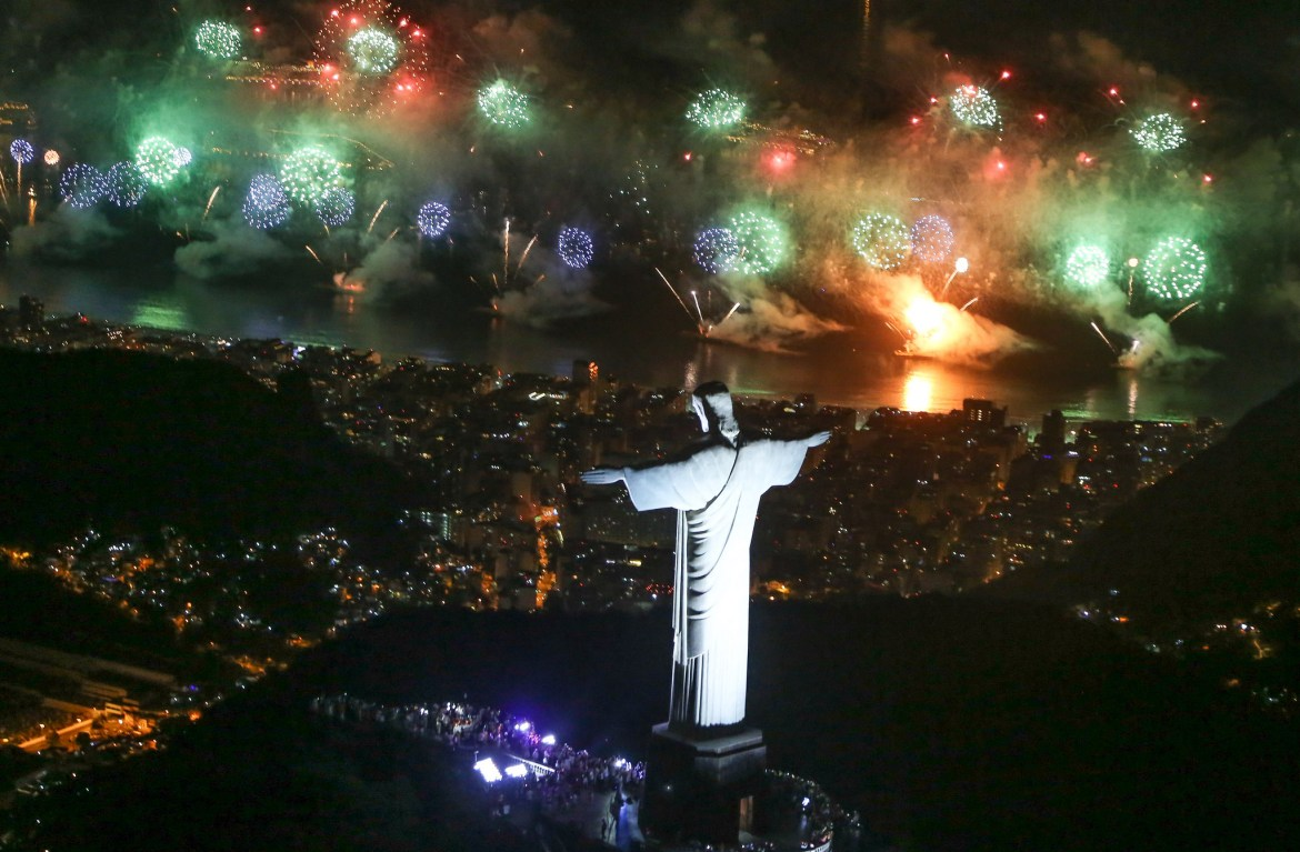 Rio-New-Years-Eve-Copacabana