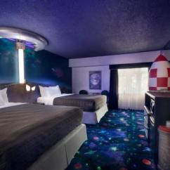 Sofa Bed Support Board Two Tone Living Room Furniture Travelodge Hotel Saskatoon, Saskatoon Saskatchewan ...