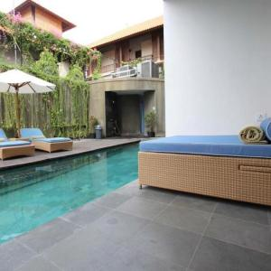 Ossotel pool access room bali