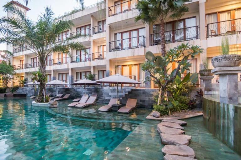 Anumana Pool Access Room