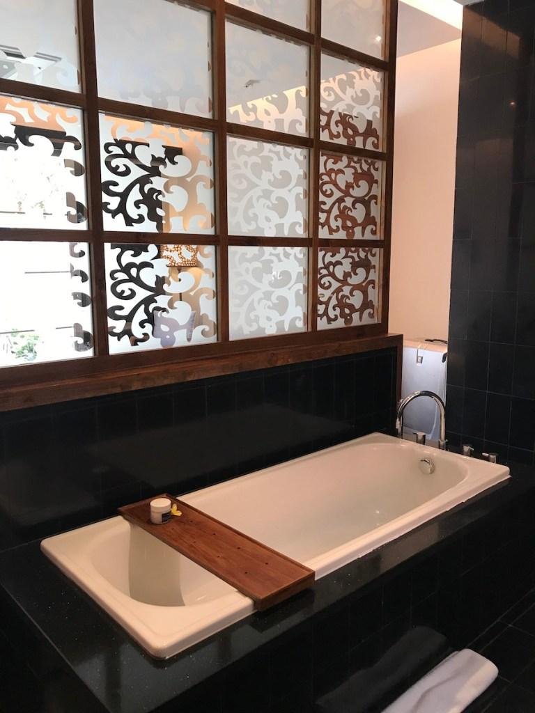 Bathtub in Deluxe Pool Villa Sun Island Seminyak