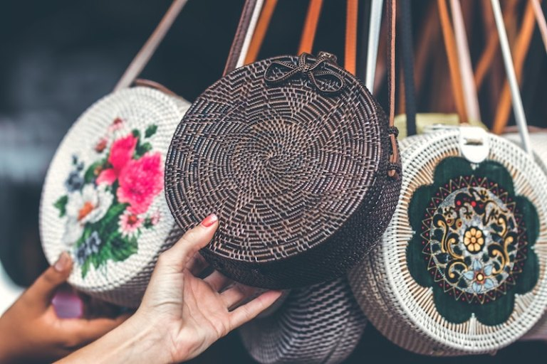 How to Haggle and shop in Bali