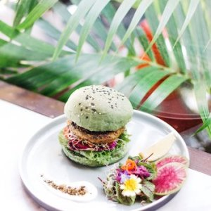 Peloton Supershop in Bali - trendy place to eat