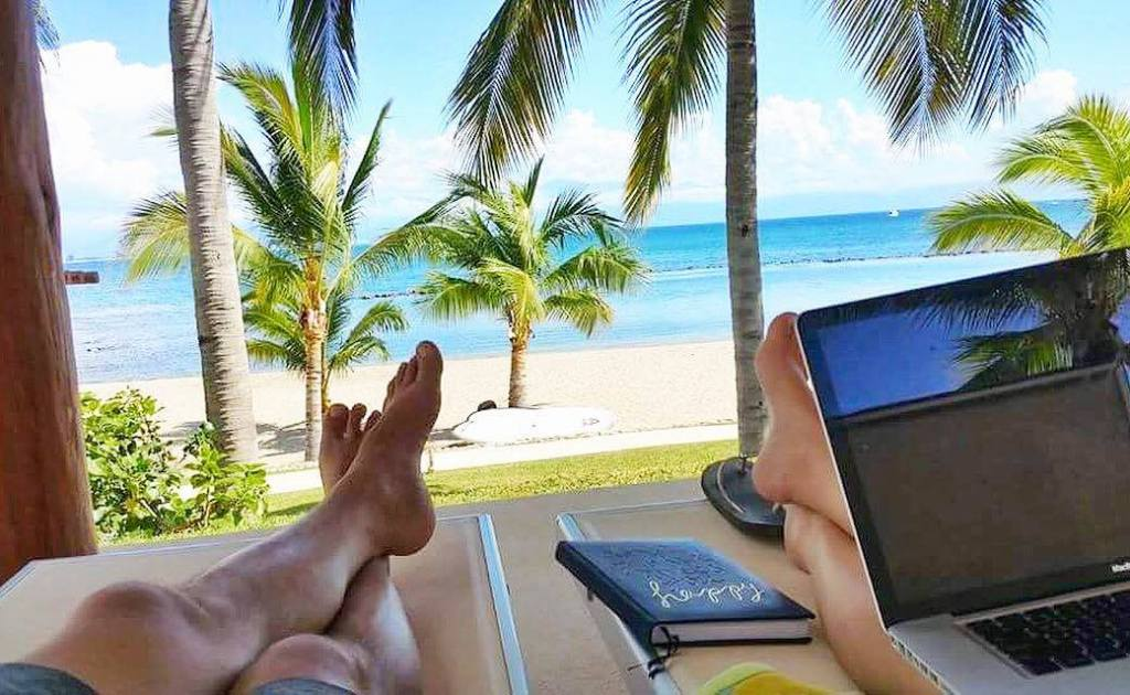 Living as a Nomad Funding your travel