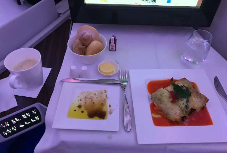 Lunch on 787 Qatar from Bali to Doha