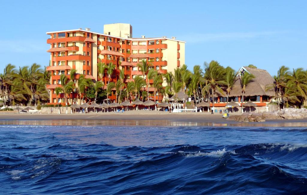 Affordable 5 Star OCEANFRONT Resorts in Mexico 2 (2)