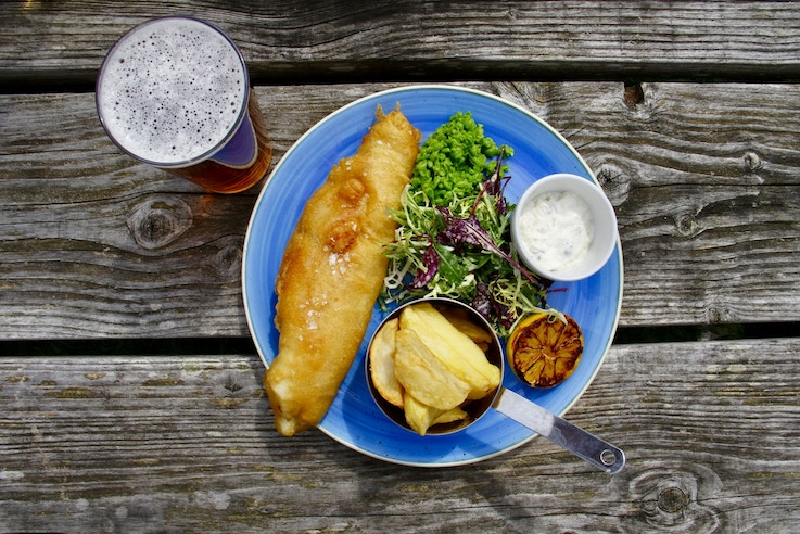 Fish and Chips - Order food at the bar in London