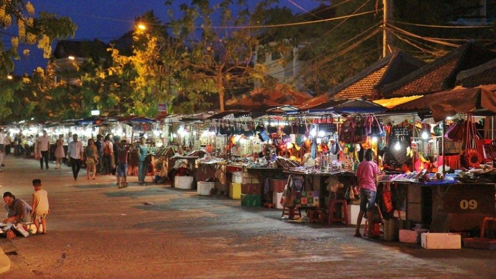 NIght Market Haggleing Hoi An