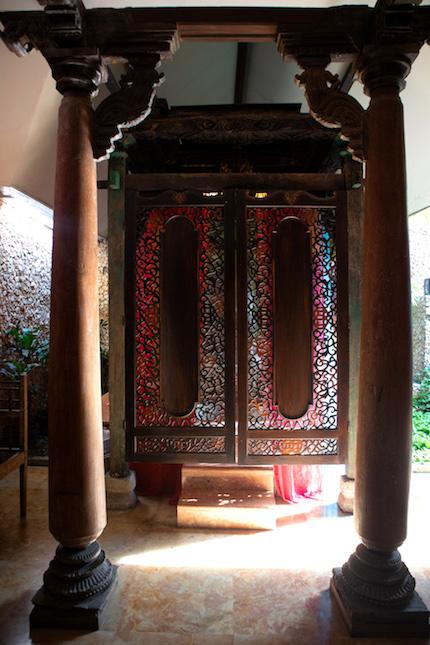 wood carvings in apsara suite tugu malang