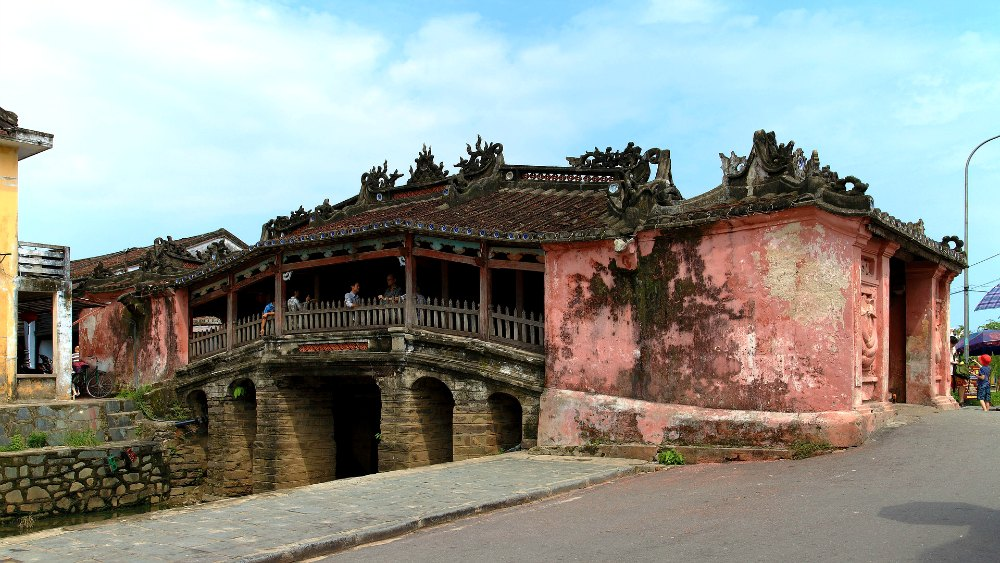 Top Things to do in Hoi An Visit the Japanese Bridge