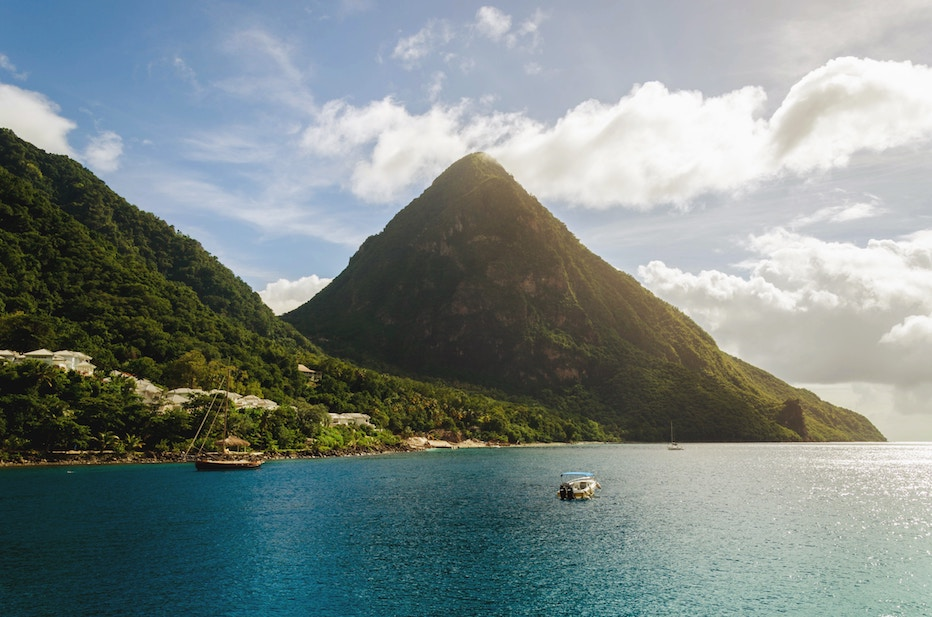 canadians can travel to saint lucia for 15 days visa free