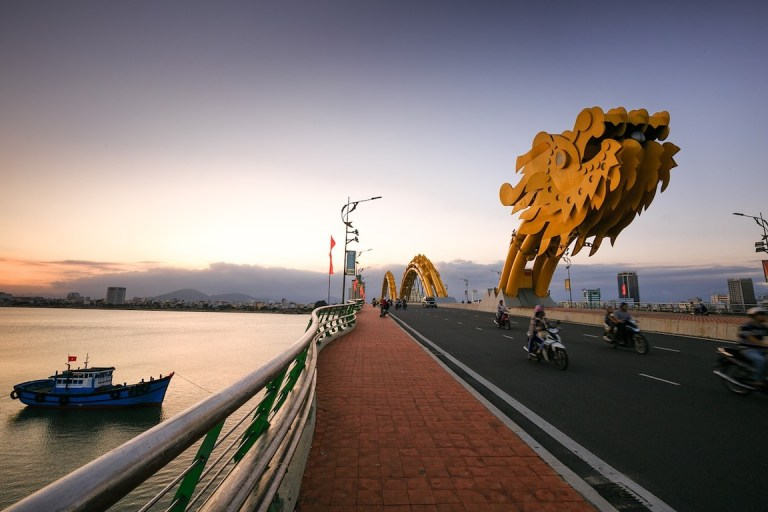 See the dragon bridge in Da Nang