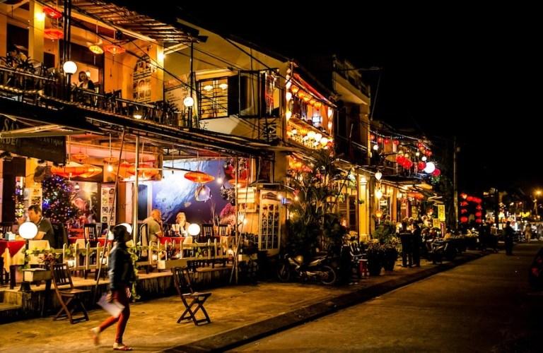 Da Nang itinerary - visit Hoi An ancient town