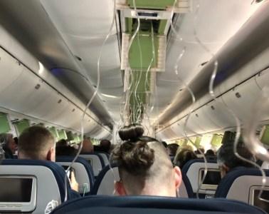 Delta Plane plunges 30000 feet