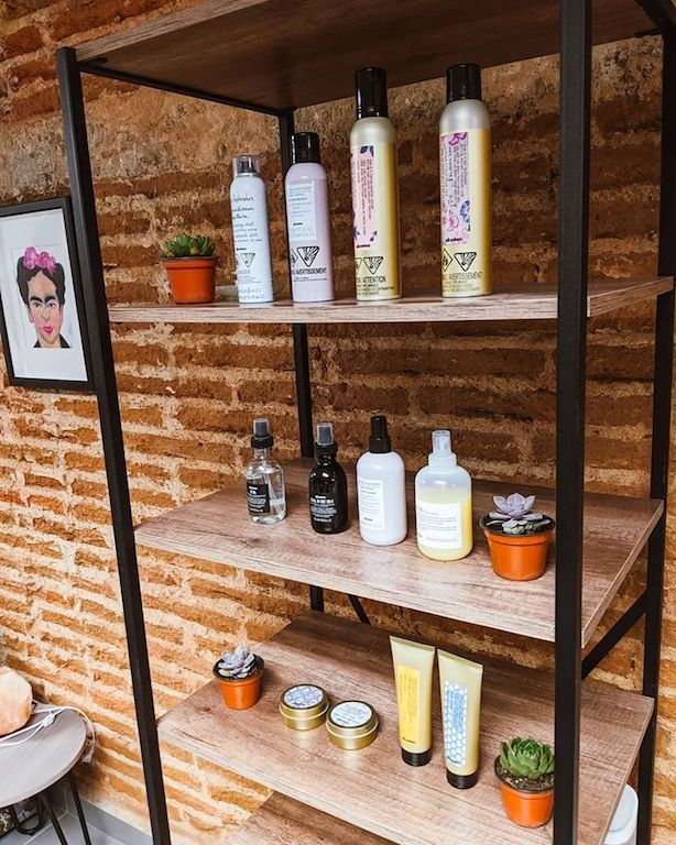 Frida house of hair in Mazatlan used Davines products