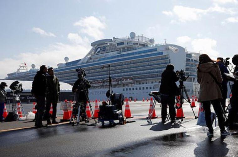 2 cruise ships passengers die