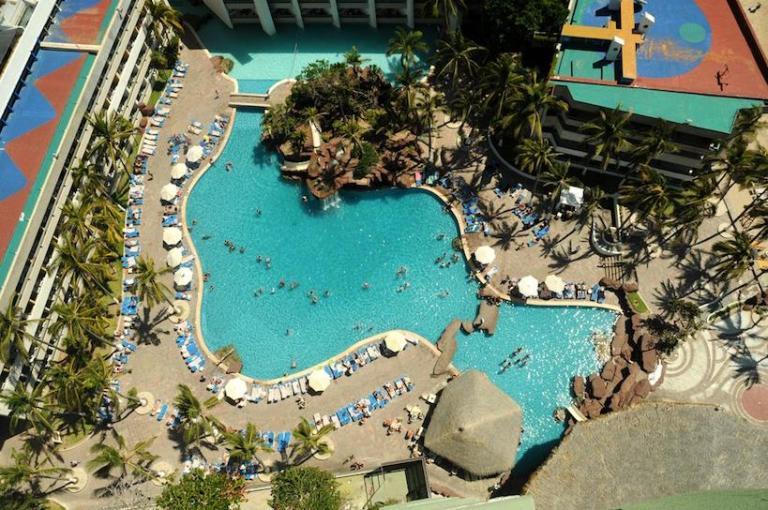 all inclusive day pass to el cid