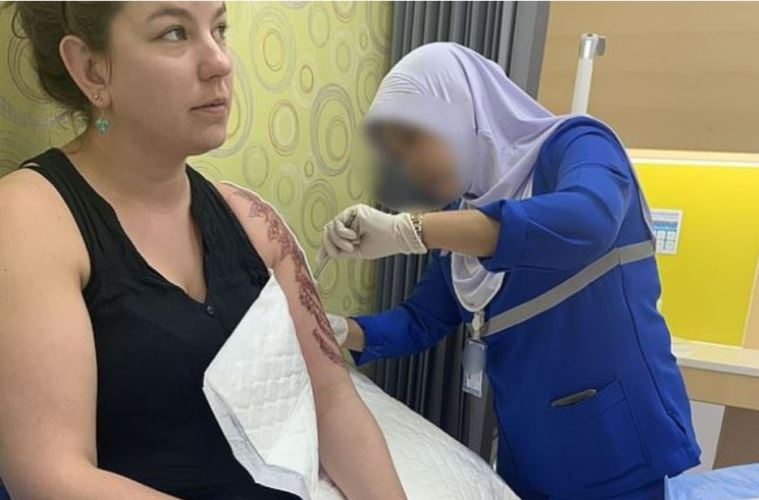 Henna Tattoo In Bangkok: American Tourist Left With Foot Long Chemical Burn From