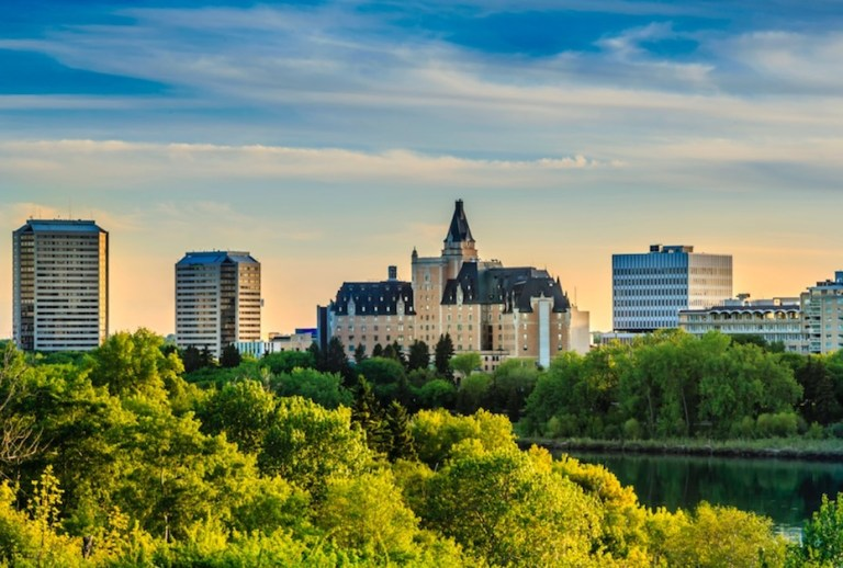 winnipeg flies direct daily to saskatoon