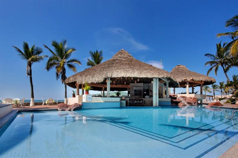 pool at the palms resort mazatlan
