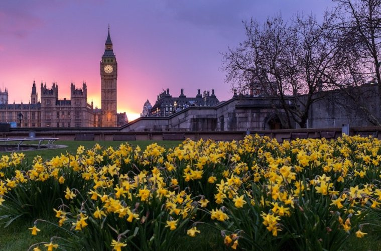 Canadians Can Fly To The UK For $250 This Fall